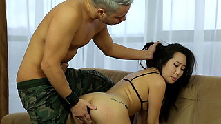 Dick in the ass, hand in the pussy ! Asian Fisting