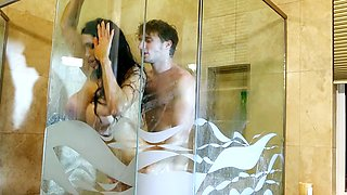 Guy has fun in the shower with his gorgeous stepmom