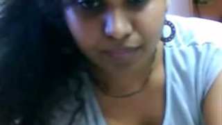 Cutest amateur South Indian girl on livecam exposing cameltoe