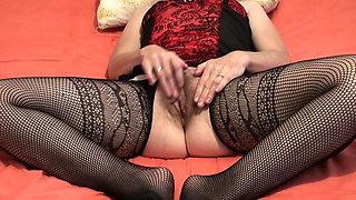 MILF masturbation orgasm masturbating finger solo clit clima