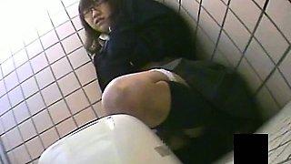 Asian Nasty Girl Toilet Masturbation