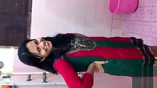 Indian babe records herself taking a bath
