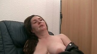 Lewd buxom pallid housewife wanna get some delicious sperm