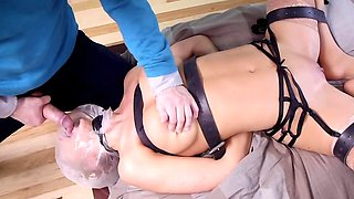 Tech nerd bangs blonde MILF and her chubby stepdaughter