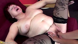 Pissing and rough fuck with hot mature moms