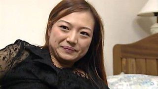 Asian amateur chick MAO opens her legs to be fucked on the bed