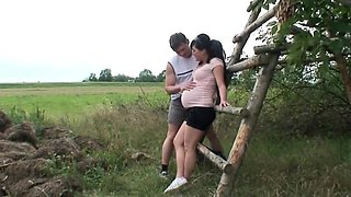 Busty Prego Amateur college girl has hot outdoor Sex