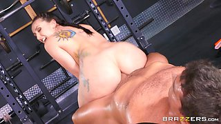 Mandy Muse  Ramon in Girls Who Squat - BrazzersNetwork
