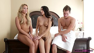 Females share same dick for endless trio passion