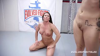 Ariel x lesbian wrestling fight against red august
