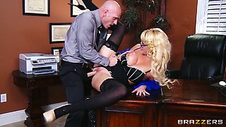 Fucking hot secretary Courtney Taylor is fucked hard on the table