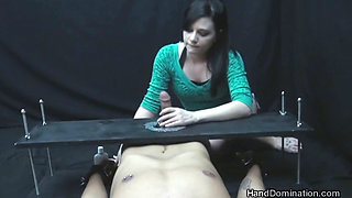 Brandi Belle - Hand Domination