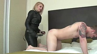 Mistress leather testing strapon fucking