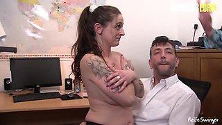 German Mature Sluts Rough Ffm Threesome In The Office