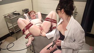 Amateur redhead slut gets pleasured by a doctor - Siouxsie Q and Barbary