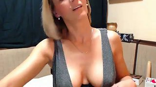 sexy gorgeous mom webcam show flashing