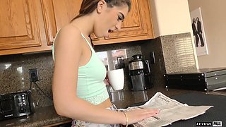 Attractive Joseline Kelly is romantic GF who wanna try out all the poses