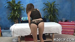 Sensual miss Kara Finley performs python licking session