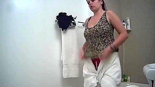 hz Hidden bathroom cam 2606