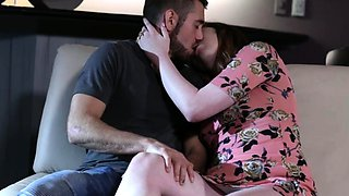 Hunk stud Dante Colle and tbabe Chelsea Poe trade blowjob