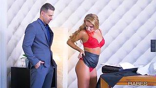 Hot Assed Blonde Sucks Big Dick In The Office - Sofi Goldfinger