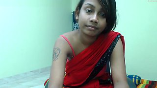 desi cutie shows off body 1