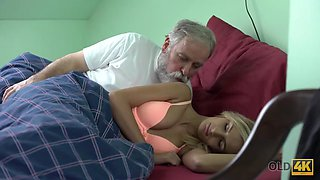 Old4k. tea and hot sex is how chick starts day with her