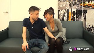 Tasteful short-haired girl gets re for a nice fuck