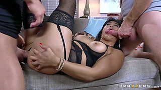 Bootylicious Thai fuck doll in sexy lingerie gets double penetrated rough