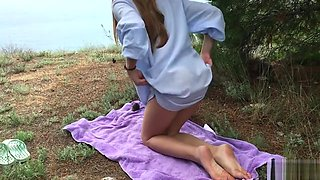 Found and fucked a bitch in nature, cumshot on ass - NikaBerry