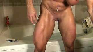 Muscular harlot shows me her well-shaped legs and ass