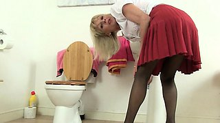 British granny Elaine fucks a dildo on toilet