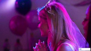 The Bachelorette - Charlotte Stokely, Jade Baker