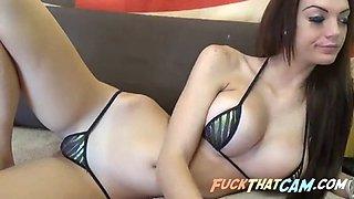 hottie in skimpy bikini webcam tease