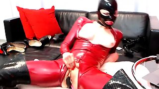 Latex Lucy in amazing latex mas