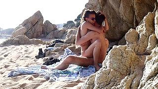 Couple Caught Having Amateur Sex At Public Beach Part1