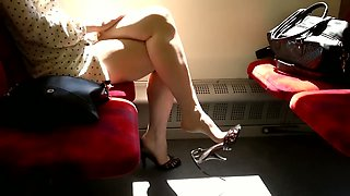 Amateur hottie wearing high heels gets caught on my hidden cam