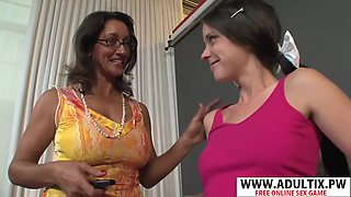 Very Sexy Step-mama Persia Monir, Bonnie Skye Gives Blowjob Hard Touching Dads Friend