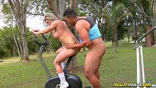 Fernandinha Fernandes & Tony Tigrao in Tasty Brazilian - MikeinBrazil