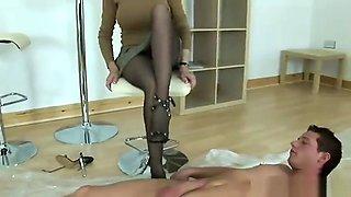 Lady sonia pantyhose footjob handjob