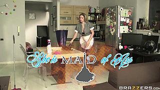 Vittoria Risi maid anal