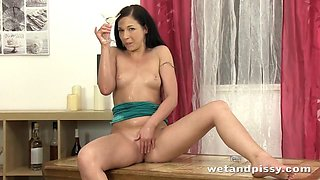 Sweet girl tastes her piss for the very first time