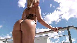 Small bikini - Big butt.