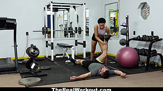 TheRealWorkout - Hot Personal Trainer Fucks Client At Gym