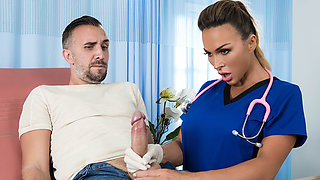 Aubrey Black & Keiran Lee in All Backed Up - BrazzersNetwork