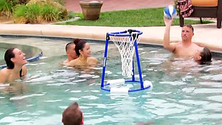 Pool party with sex games that motivates