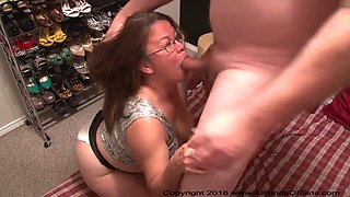 You Want To Butt Fuck A Big Butt Mexican MILF ?
