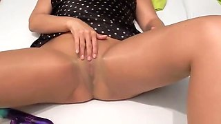 Alysha fingering her wet slimy pussy in pantyhose and heels