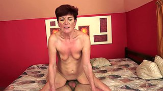 Old and young video by sissy boy and old red-haired whore