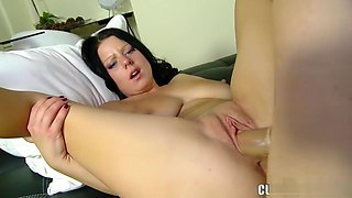 Babe with perfect tits sucks on his joint and gets her cunt banged